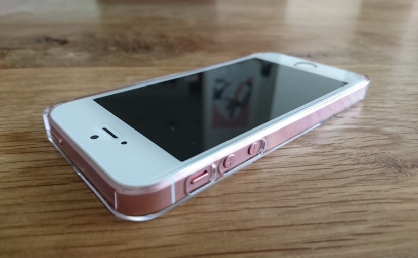 ANKERのiPhoneSE(5)用ポリカーボネートケースを入手
